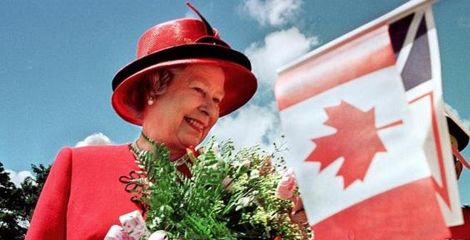 Nữ hoàng Anh - Người duy nhất không cần hộ chiếu
