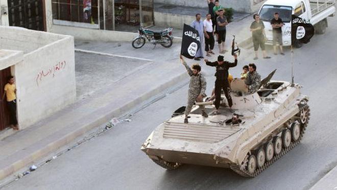 Thành viên IS hành quyết mẹ mình ở Syria
