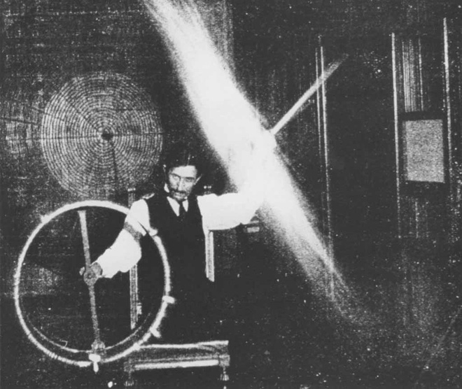 Bộ ảnh độc nhất vô nhị đến giờ mới tiết lộ của về nhà khoa học điên Tesla - Ảnh 3.