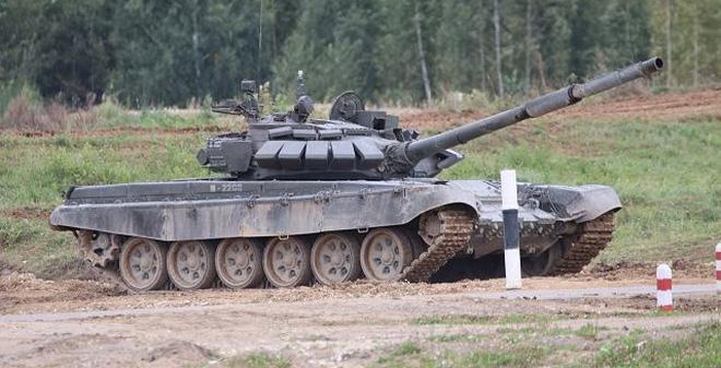 Tư lệnh Quân khu Trung tâm: Kiểm tra đơn vị xe tăng mới thành lập