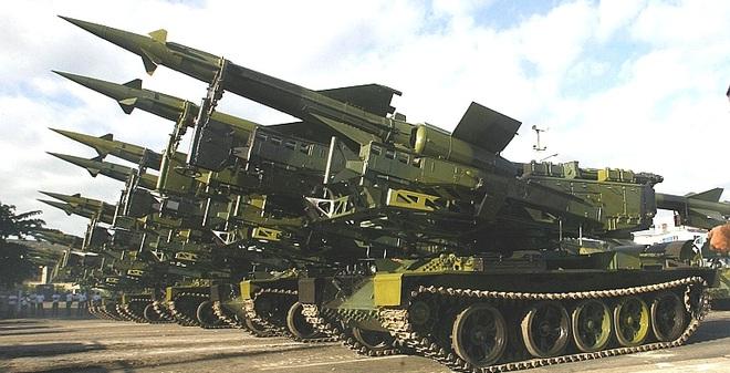 Việt Nam có nên tự hành hóa bệ phóng tên lửa Pechora-2TM?