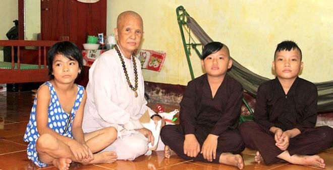 Chuyện đời tự kể của sư cô từng là bạn ông trùm Năm Cam thời thơ ấu-Kỳ 3: Cạm bẫy nhân gian
