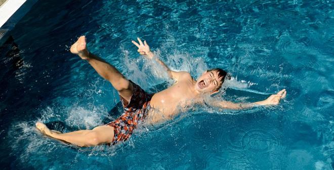 """""""Đọc vị"""" bể bơi nhiễm độc và cách tắm an toàn chốn công cộng"""