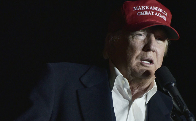 Nỗ lực chống Trump cuối cùng: Không lôi kéo được thì kiện ra tòa