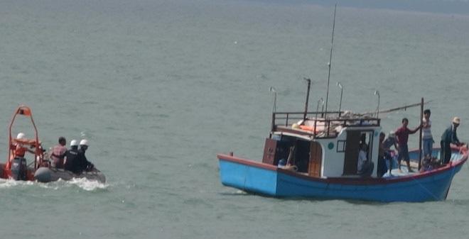 Đã tìm thấy xác tàu chở clinke chìm khi tránh lũ ở Quảng Bình