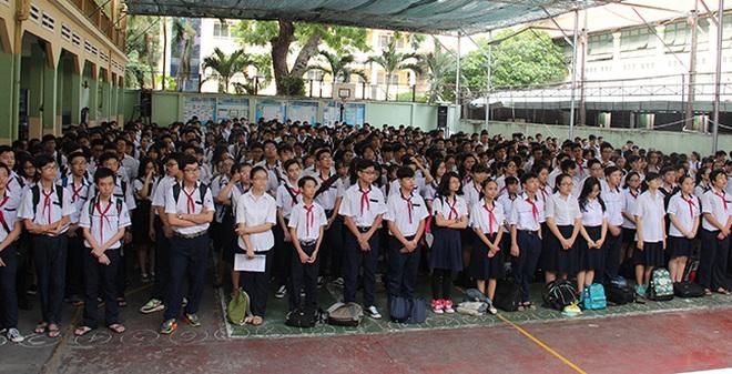Gần 70.000 học sinh bước vào kỳ thi tuyển lớp 10 ở TP HCM