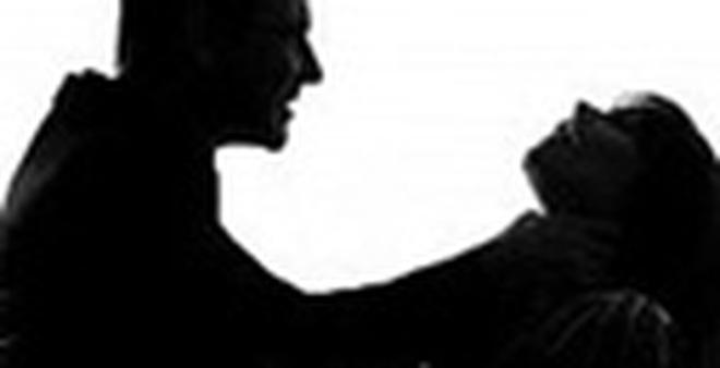 Chồng bóp cổ vợ đến chết rồi tạo hiện trường giả