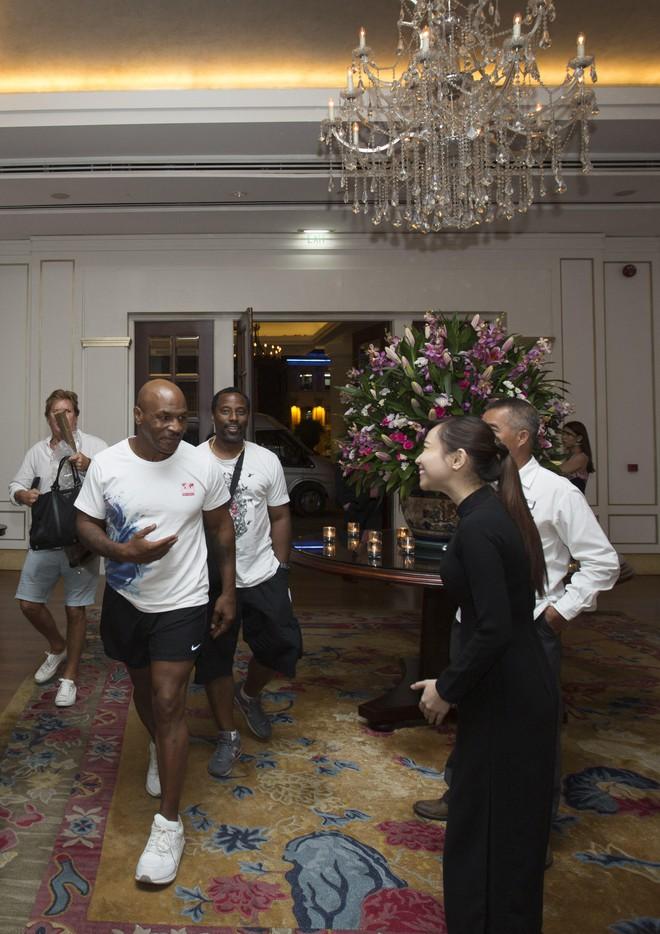 Mike Tyson bất ngờ xuất hiện tại Việt Nam để đóng phim - Ảnh 6.