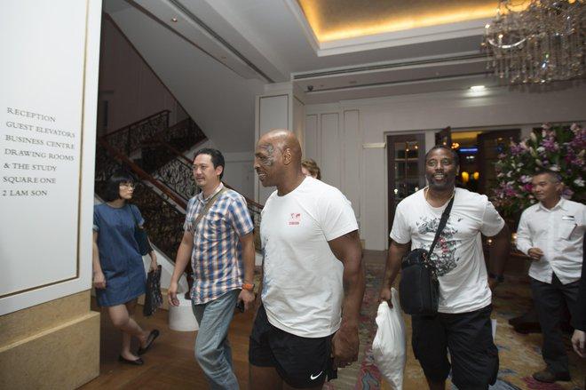 Mike Tyson bất ngờ xuất hiện tại Việt Nam để đóng phim - Ảnh 3.
