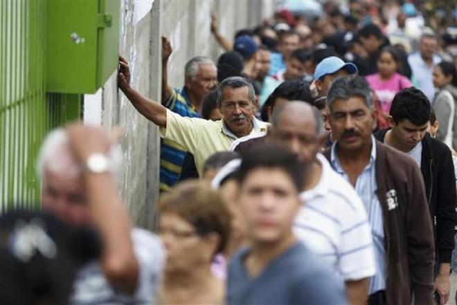 Cùng quẫn khiến dân Venezuela làm liều, cả nước chìm trong bất ổn - Ảnh 10.