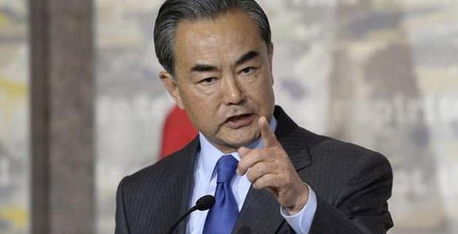 Ông Vương Nghị mắng té tát nữ phóng viênCanada tại họp báo