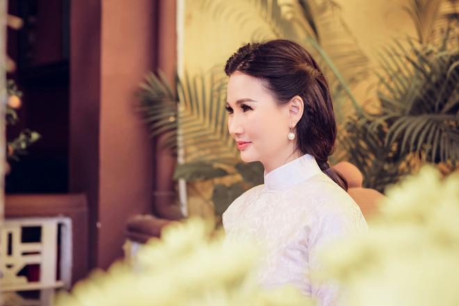 Hoa hậu Quý bà Sương Đặng hóa thân thành thiếu nữ Hà Nội xưa - Ảnh 4.