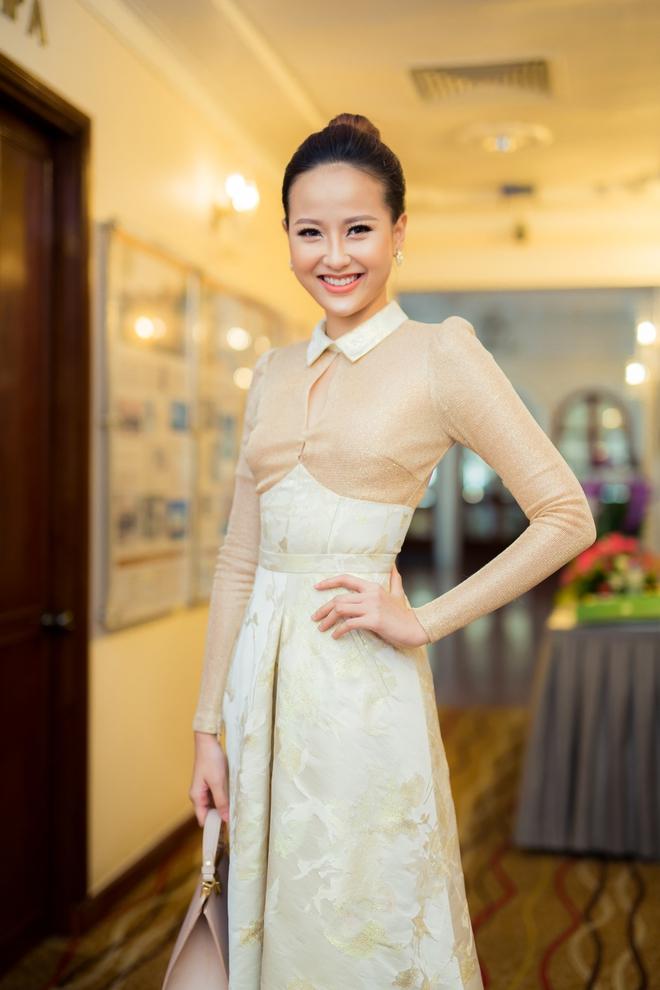 Hoa khôi Khánh Ngân tái xuất tự tin sau đăng quang - Ảnh 1.