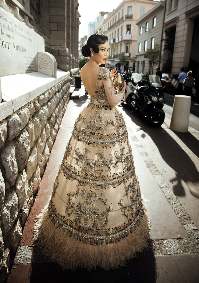 Lý Nhã Kỳ mặc váy tinh xảo, thu hút sự chú ý trên thảm đỏ Cannes - Ảnh 6.