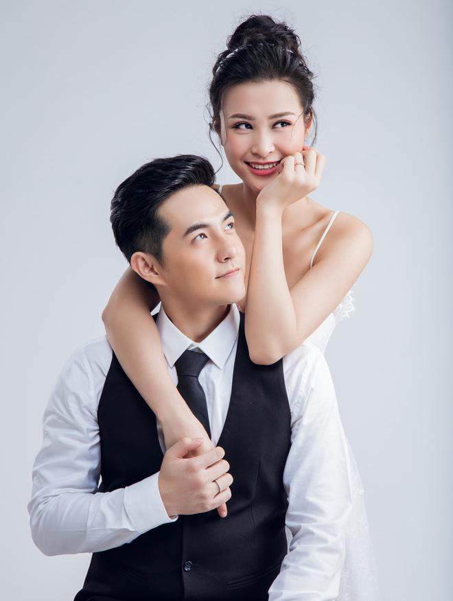 Fan đứng ngồi không yên vì tin đồn kết hôn của Đông Nhi và Ông Cao Thắng - Ảnh 1.