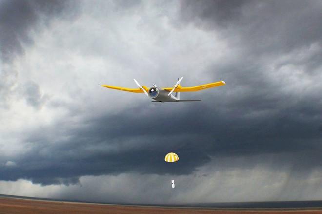 Săn bão: Xuyên vào luồng khí chực xé toạc máy bay thành từng mảnh - Ảnh 12.