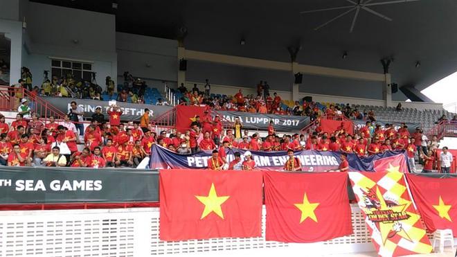 """""""Việt Nam vô địch"""" và điều khiến các cô gái Vàng phải… rơi lệ tại Malaysia - Ảnh 2."""