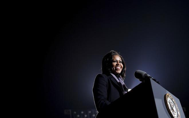 """Từ Washington DC: 4 năm nữa, tôi sẽ nói với các con về """"ứng cử viên Michelle Obama"""""""