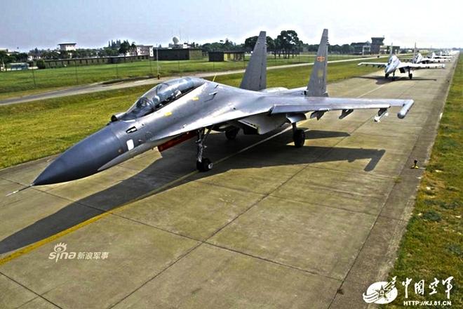 [ẢNH] Song kiếm Su-30MKK và J-10 của Trung Quốc huấn luyện tác chiến - Ảnh 4.