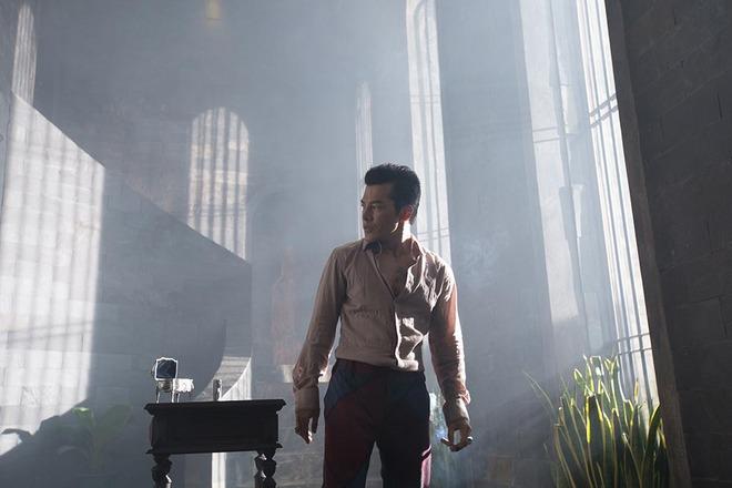 Elly Trần nóng bỏng khi đóng phim - Ảnh 1.