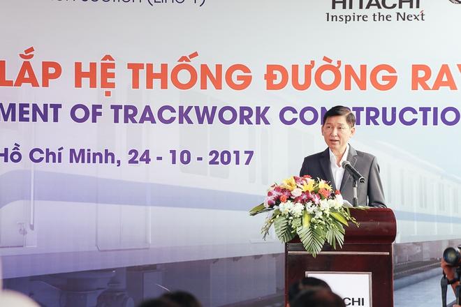 Tuyến Metro trị giá 2,49 tỷ USD Bến Thành - Suối Tiên chính thức lắp đường ray - Ảnh 1.