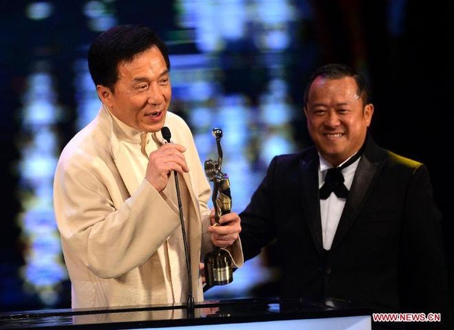 Trên phim toàn đóng vai phụ nhưng đây là ông trùm khét tiếng mà Thành Long, Lưu Đức Hoa phải nể sợ - Ảnh 10.