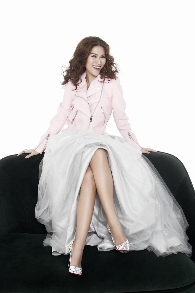 Ngọc Thanh Tâm khoe vóc dáng gợi cảm trong bộ ảnh mới - Ảnh 14.