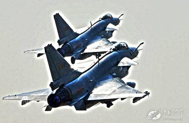 [ẢNH] Song kiếm Su-30MKK và J-10 của Trung Quốc huấn luyện tác chiến - Ảnh 11.