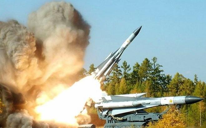 Vì sao tên lửa S-200 của Syria không thể làm xước sơn tiêm kích Israel?