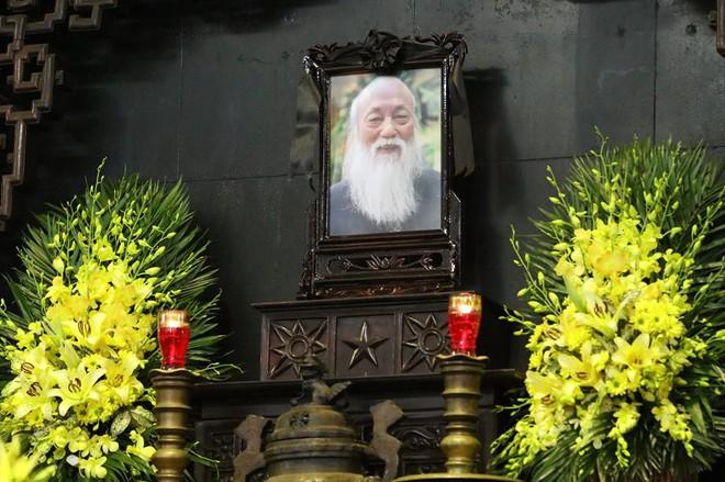 Hơn 1000 học sinh hát vang bài ca Lương Thế Vinh vĩnh biệt thầy Văn Như Cương - Ảnh 16.