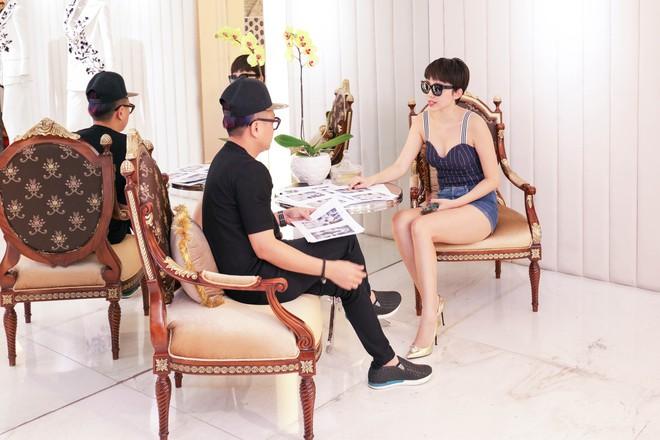 Tóc Tiên háo hức thử đồ để diễn tại MAMA 2017 - Ảnh 11.