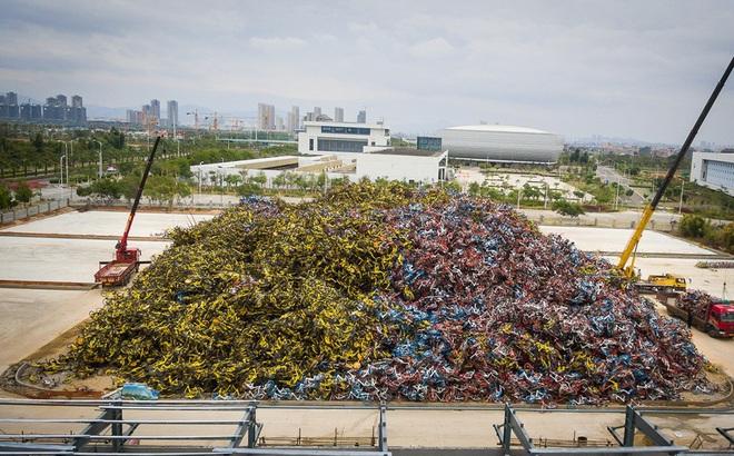 """7 ngày qua ảnh: Xe đạp """"rác"""" chất thành đống cao như núi ở Trung Quốc"""