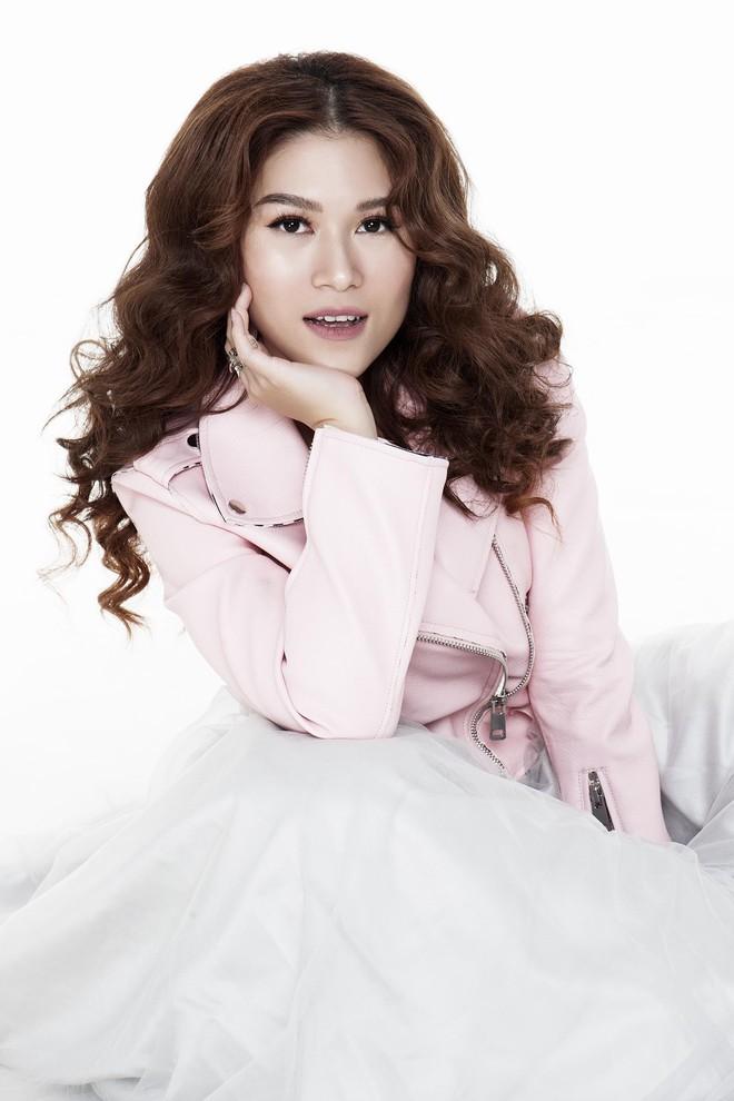 Ngọc Thanh Tâm khoe vóc dáng gợi cảm trong bộ ảnh mới - Ảnh 13.