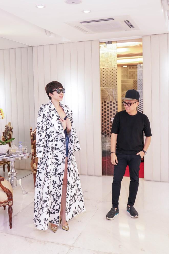 Tóc Tiên háo hức thử đồ để diễn tại MAMA 2017 - Ảnh 10.
