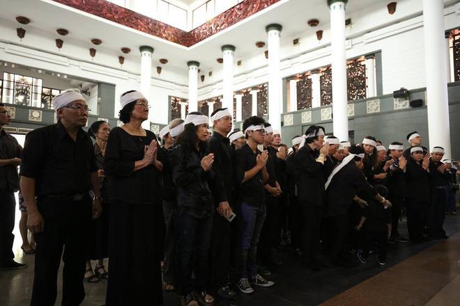 Hơn 1000 học sinh hát vang bài ca Lương Thế Vinh vĩnh biệt thầy Văn Như Cương - Ảnh 18.