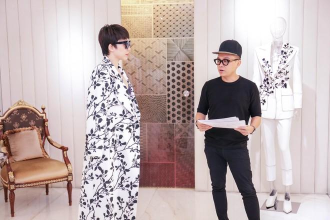 Tóc Tiên háo hức thử đồ để diễn tại MAMA 2017 - Ảnh 9.