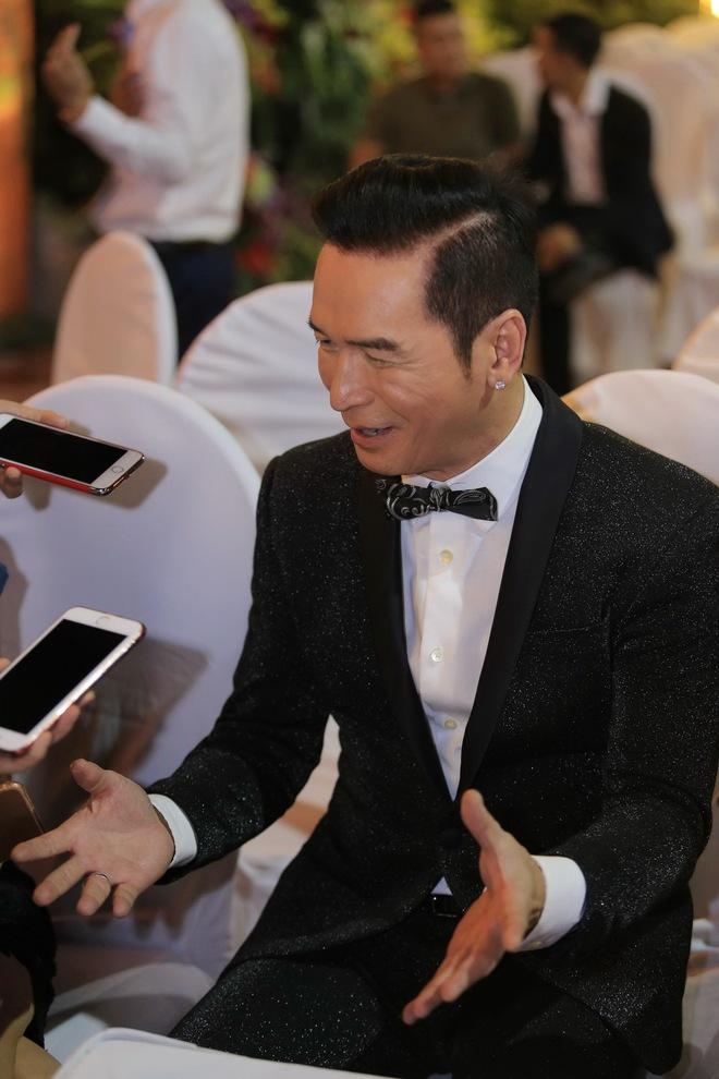 Ca sĩ hải ngoại Nguyễn Hưng từ chối tiết lộ cát-xê, khoe vũ đạo điêu luyện ở tuổi 62 - Ảnh 2.