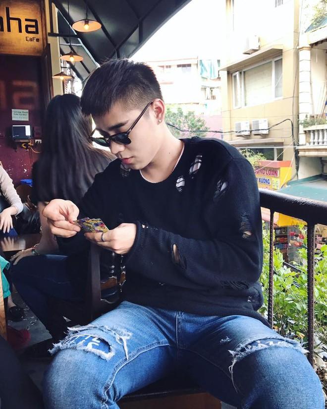 Truy tìm chàng hotboy kỉ yếu khiến bao nữ sinh Việt xao xuyến - Ảnh 10.