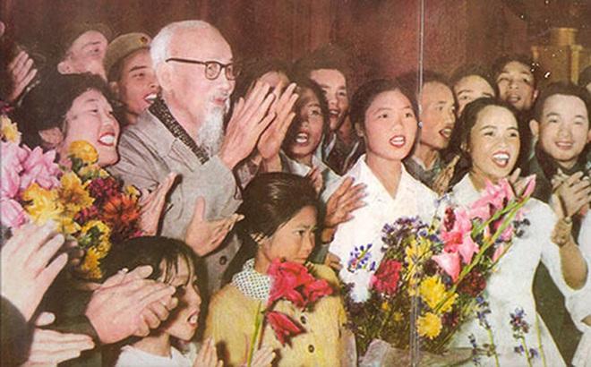 Công an nhân dân thực hiện lời dạy của Bác Hồ trong văn hóa ứng xử