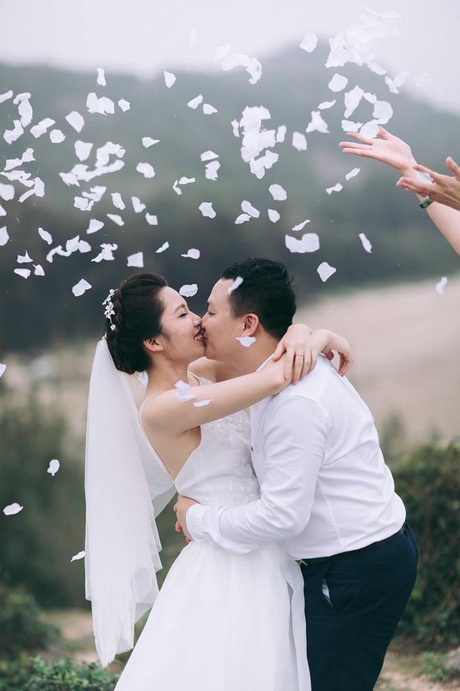 Bộ ảnh 100 năm đám cưới Việt Nam khiến người xem vừa lạ vừa quen - Ảnh 16.