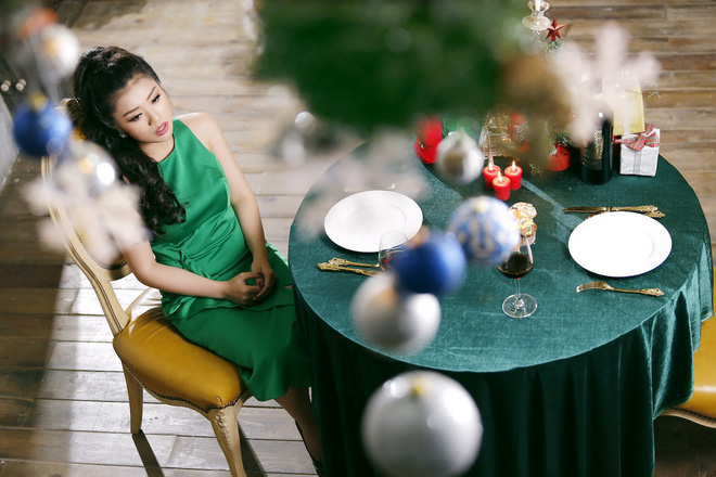 Ca sĩ Thu Hằng làm gái ế trong đêm Noel - Ảnh 2.