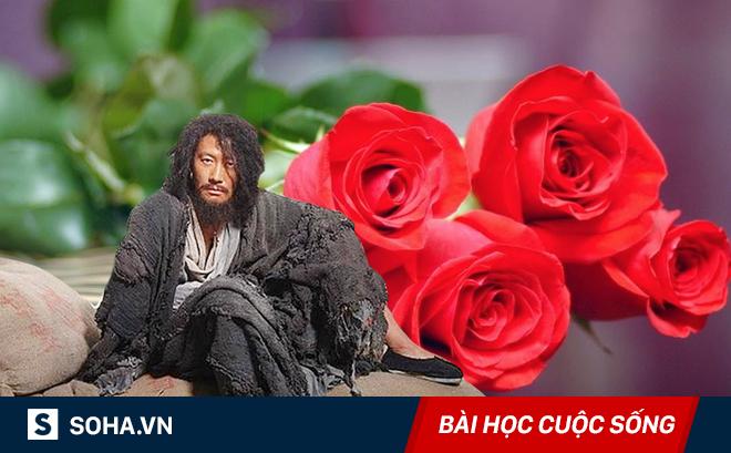 Được tặng một bó hoa hồng, gã ăn xin nhanh chóng trở thành người không ai