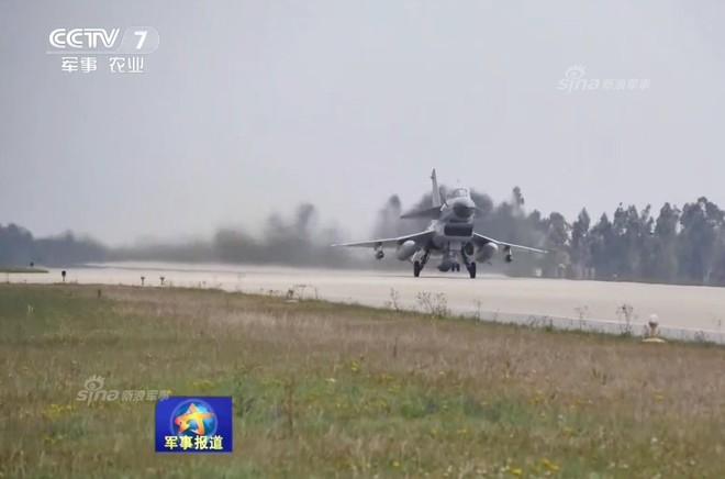 J-10 Trung Quốc ào ạt oanh kích khu vực biên giới giáp Myanmar trong tình hình nóng - Ảnh 3.