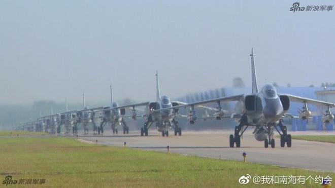 Trung Quốc đe dọa quốc gia nào ở Biển Đông khi cho JH-7 trình diễn Voi đi bộ? - Ảnh 3.