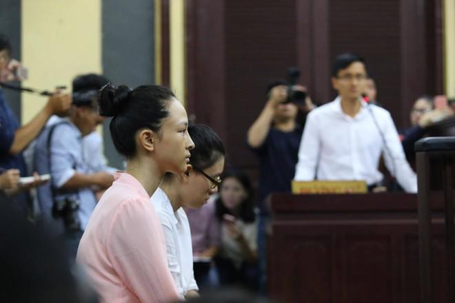 Luật sư Phương Nga và Cao Toàn Mỹ đều chưa nhận quyết định đình chỉ vụ án  - Ảnh 3.