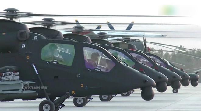 Trung Quốc rầm rộ phô trương sức mạnh phi đội trực thăng sau tai nạn của WZ-10 - Ảnh 1.