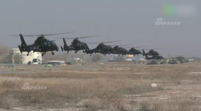 Trung Quốc rầm rộ phô trương sức mạnh phi đội trực thăng sau tai nạn của WZ-10 - Ảnh 3.