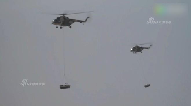Trung Quốc rầm rộ phô trương sức mạnh phi đội trực thăng sau tai nạn của WZ-10 - Ảnh 7.
