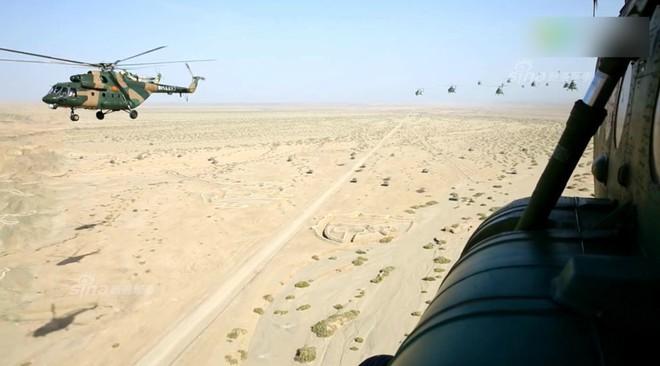 Trung Quốc rầm rộ phô trương sức mạnh phi đội trực thăng sau tai nạn của WZ-10 - Ảnh 6.