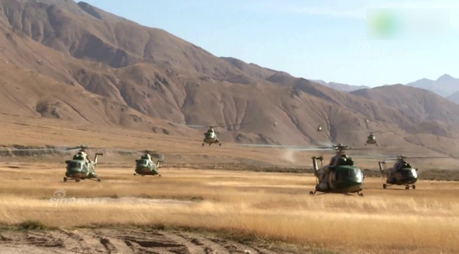 Trung Quốc rầm rộ phô trương sức mạnh phi đội trực thăng sau tai nạn của WZ-10 - Ảnh 8.